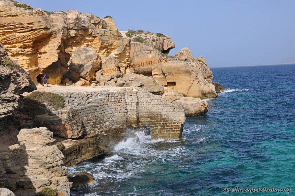 Sycylia. Egady. Wyspa Favignana - Starożytne zabudowania